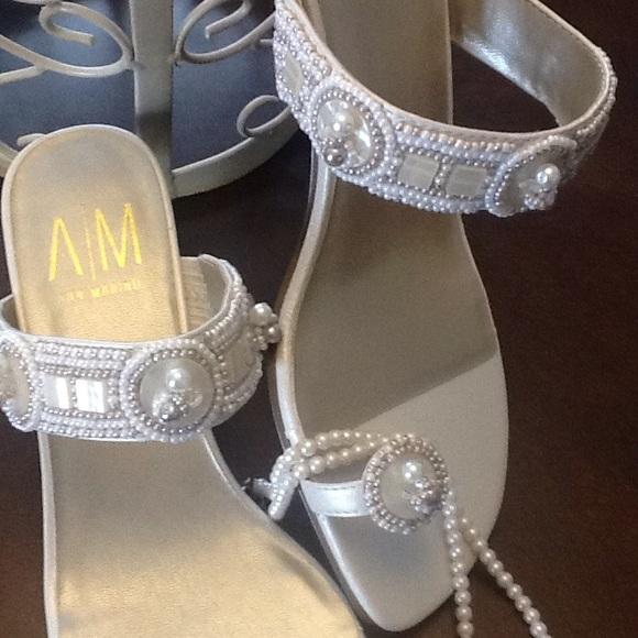 Ann Marino Shoes - NWOT PEARL BLING LOW HEELS WEDDING DRESS UP SHORTS 48e721014a